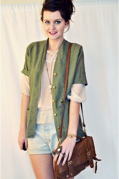 Plain, simple, and so so chic. I want this, right meow.