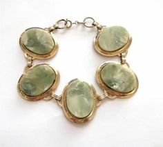 VINTAGE 50'S GREEN LUCITE PANEL CHUNKY GOLD TONE BRACELET - BOXED