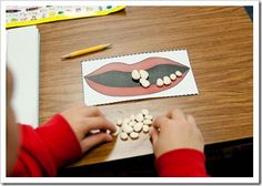Dental Activities for Kids - Todo Sobre La Salud Bucal 2020 Playdough Activities, Health Activities, Dental Health Month, Oral Health, Health Class, Health Education, Free Dental Care, First Grade Parade, Health Unit