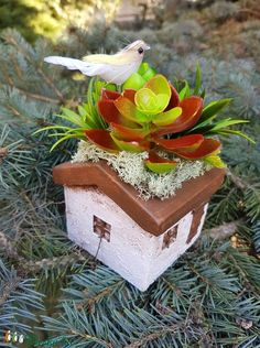 Madaras házikó  (ranyomlak) - Meska.hu Decoupage, Christmas Ornaments, Holiday Decor, Diy, Home Decor, Decoration Home, Bricolage, Room Decor, Christmas Jewelry