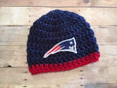 Made with super soft yarn. This Beanie wis perfect for introducing your newest Patriots fan. Features embroidered Patriots patch. Great for bringing