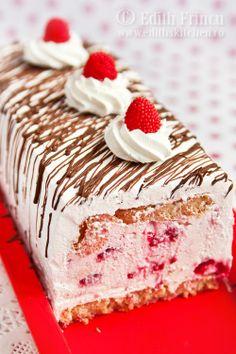 Raspberry and cream cheese cake
