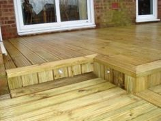 Lighting and steps in the decking