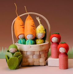 veggie peg dolls - it's no surprise that the vegetarians are loving this bushel of veggie dolls! Wood Peg Dolls, Clothespin Dolls, Waldorf Crafts, Waldorf Toys, Doll Crafts, Crafts For Kids, Mushroom House, Kegel, Tiny Dolls