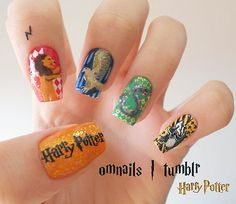 Ok, so I'm not really one for keeping my fingernails painted, but I would make this exception :)
