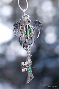 Dragon Claw Key Necklace by KeypersCove on deviantART Key Jewelry, Cute Jewelry, Jewelery, Jewelry Accessories, Jewelry Making, Old Keys, Dragon Claw, Dragon Jewelry, Antique Keys