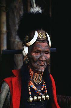 Hamwang, an elder of the Ang clan of Konyak Naga, Mon village, Nagaland. August 1991. | Photograph by Vibha Joshi.