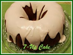 Sweet Tea and Cornbread: Cake! One of the best pound cakes ever made! Same principle as a Coca-Cola cake, yet completely different! Sweet Recipes, Cake Recipes, Dessert Recipes, Dessert Ideas, Just Desserts, Delicious Desserts, Holiday Desserts, 7 Up Cake, Cola Cake