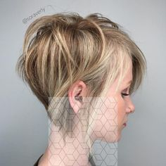 Brown blonde pixie bob for thin hair thin hair styles for women, short hair Blonde Pixie, Brown Blonde Hair, Short Blonde, Bob Hairstyles For Fine Hair, Haircuts For Fine Hair, Cool Hairstyles, Thin Hair Short Haircuts, 2015 Hairstyles, Popular Hairstyles