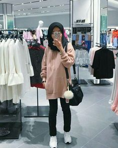 Best Ideas For Style Hijab Remaja Gemuk – ootd inspirasi – styling Modern Hijab Fashion, Street Hijab Fashion, Hijab Fashion Inspiration, Muslim Fashion, Korean Fashion, Trendy Fashion, Hijab Casual, Hijab Chic, Casual Outfits