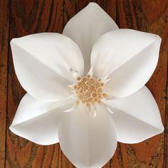 michele-tremblay-paper-flowers6.jpg 700×700 пикс
