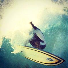 Geoff Doig getting brutal with a McCoy via Surfing World Magazine