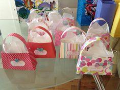 DIY mini-purse lollie bags blogged at www.colorandlove.com http://colorandlove.com/mini-purse-lolly-bag/