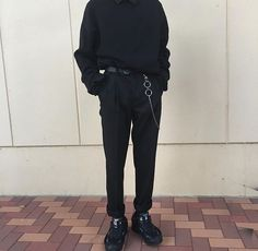 men's street style outfits for cool guys Dark Fashion, Grunge Fashion, Mens Fashion, Fashion Outfits, Fashion Styles, Street Fashion, Fashion Tips, Aesthetic Fashion, Aesthetic Clothes