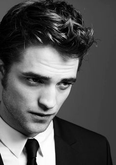 Love black and white pictures and i love Robert Pattinson