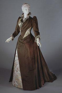 Dress by Redfern, 1889-1892, via The Philadelphia Museum of Art.