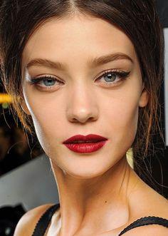 Dolce & Gabbana Fall 2013 runway makeup look