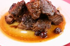 Super Simple Cranberry Roast (beef or pork) Slow Cooker Recipe - A Year of Slowcooking. Roast Recipes, Slow Cooker Recipes, Crockpot Recipes, Cooking Recipes, Game Recipes, Crockpot Dishes, Yummy Recipes, Healthy Recipes, Kitchens