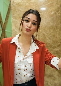Indian Bollywood Actress, Bollywood Actress Hot Photos, Beautiful Bollywood Actress, Most Beautiful Indian Actress, South Indian Actress, Indian Actresses, South Actress, Stylish Girl Pic New, Stylish Girls Photos