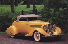 1935 Studebaker Commander why cant they build cars like this any more ? 1935 Studebaker Commander why cant Vintage Cars, Antique Cars, Antique Gold, Audi R8, Auto Retro, Retro Cars, Automobile, Yellow Car, Convertible