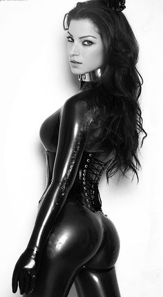 hotgirlsinlatex: Get Your Ass Back Here http://hotgirlsinlatex.tumblr.com/