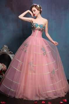 Cheap dress skeleton, Buy Quality dress organza directly from China dress agencies Suppliers: Colour Tulle Wedding Dresses Wedding Gowns Retro Wedding Dresses vestido de noiva de luxo 2017 Retro Wedding Dresses, Elegant Dresses, Pretty Dresses, Beautiful Dresses, Ball Gown Dresses, Prom Dresses, Vintage Ball Gowns, Ladies Dress Design, Cheap Dresses
