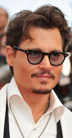 Johnny Depp born on June 9, 1963 in Owensboro, Kentucky, USA * ♄ Saturn ℞ in ♑ Capricorn Sa'd al Su'ud P.2. * ♃ Jupiter in ♓ Pisces Al Risha P.2. * ♂ Mars in ♌ Leo Al Jabha * ☽ Moon in ♐ Sagittarius * ♀ Venus in ♉ Taurus Al Najm * ☿ Mercury in ♉ Taurus Al Najm P.2. * ☉ Sun in ♉ Taurus Al Hak'a P.1. (Chitra Paksha's sidereal delineations)