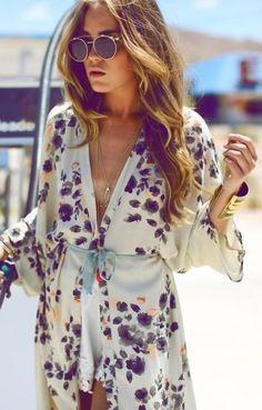 Kimono to the beach, love kimono jackets so useful ,handy and very feminine :)