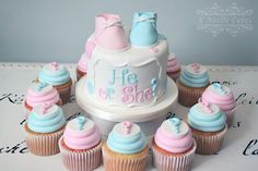 He or She? gender reveal cake by K Noelle Cakes