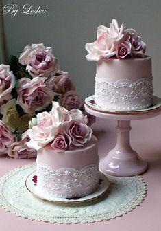 Wedding Cake Ideas: Sugar Flowers - Belle The Magazine