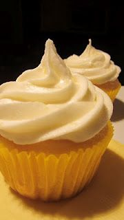 Gluten Free Lemon Cupcakes with Lemon Buttercream Frosting - super easy, made with cake mix