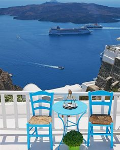 Take me back to the beautiful views in Santorini... #santorini #flashbackfriday #greece
