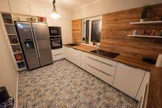 #Uconfiguration #Ushapedkitchen #kitcheninspiration #woodaccents #kitchen #modernkitchen #kitchendesign #kitchenfurniture #kitchenideas #whitekitchen #KUXAstudio #KUXA #KUXAkitchen #bucatariemoderna U Shaped Kitchen, Modern Kitchen Design, Kitchen Cabinets, Furniture, Inspiration, Home Decor, U Shape Kitchen, Biblical Inspiration, Decoration Home