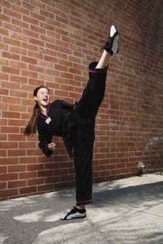 www.troutlakeretreats.com?utm_content=bufferdee92&utm_medium=social&utm_source=pinterest.com&utm_campaign=buffer Stretching exercises for martial arts can be performed at home!