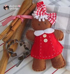 Sweet idea for an adorable little Gingerbread Girl. Gingerbread Ornaments, Gingerbread Decorations, Felt Decorations, Felt Christmas Ornaments, Christmas Gingerbread, Christmas Decorations, Gingerbread Men, Christmas Arts And Crafts, Christmas Sewing