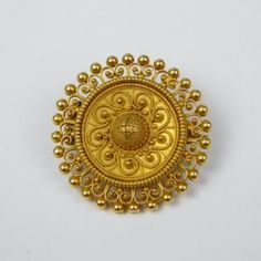 Antique etruscan revival gold brooch with granulation Gold Rings Jewelry, Sea Glass Jewelry, Gold Bangles, Bridal Jewelry, Silver Jewellery, Jewelry Art, Jewlery, Gold Ring Designs, Gold Earrings Designs