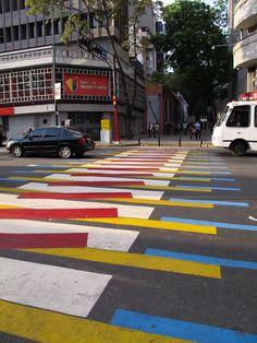 Av Urdaneta | FULL POST: http://caracasshots.blogspot.com/2013/04/street-art-law-and-art.html | #Caracas
