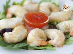 Want some seafood ? How do you feel about adding a little crisp to it all ? by PetitChef_Official Seafood Recipes, Appetizer Recipes, Appetizers, Sauce Chinoise, Filo Pastry Sheets, Fish And Seafood, Allrecipes, Food Videos, Tapas