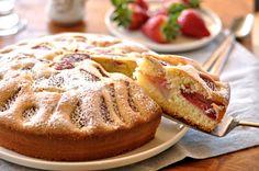 Torta morbida alle fragole, ricetta semplice