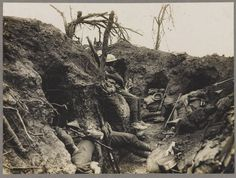 WWI, August 1916; Soldiers of the Border Regiment resting in a front line trench, Thiepval Wood. -WW1 On This Day (@WW1IEPER1917) | Twitter