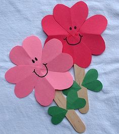 Kids crafts hearts, Spring and Valentine's Day Crafts for Kids Kids Crafts, Valentine Crafts For Kids, Daycare Crafts, Sunday School Crafts, Mothers Day Crafts, Craft Stick Crafts, Toddler Crafts, Paper Crafts, Craft Ideas