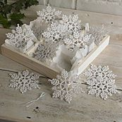 £3 White glitter snowflakes 12 pack