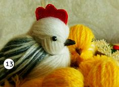 Diy Chicken of woolen yarn – Of course, I love handicrafts Diy Crafts For Home Decor, Yarn Crafts, Crafts To Make, Yarn Animals, Chicken Crafts, Baby Chickens, Pom Pom Crafts, Felt Birds, Easter Treats