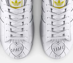 PHARRELL X ADIDAS MOLDED SUPERSHELL WHITE