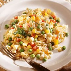 Pasta Salads Under 300 Calories!  Warm summer weather calls for lighter, fresh-tasting fare. From picnics and potlucks to dinners for two and lunch on the go, pasta salad is a perennial summertime favorite.