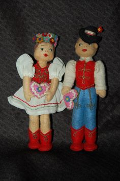 Pair Of Hungarian Felt Dolls 1950s Hungary 7 inches Tall Beautiful #DollswithClothingAccessories