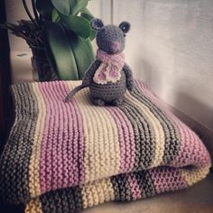 Ravelry: silviapi's Super Easy Baby Blanket and mouse in Big Merino