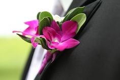 Wedding boutonniere  Keywords: #boutonnieres #jevelweddingplanning Follow Us: www.jevelweddingplanning.com  www.facebook.com/jevelweddingplanning/