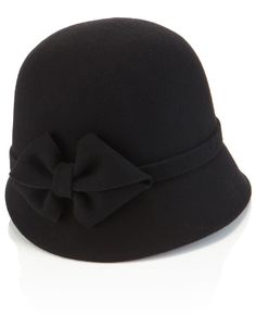 Cloche hats need to become a staple again
