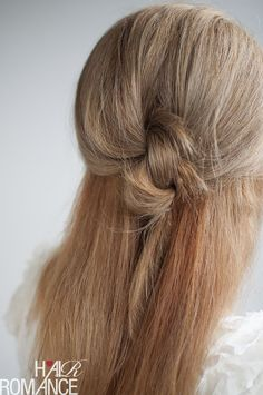 Knot your average half ponytail hairstyle tutorial